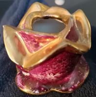 Posliininen ruusu kynttilälle