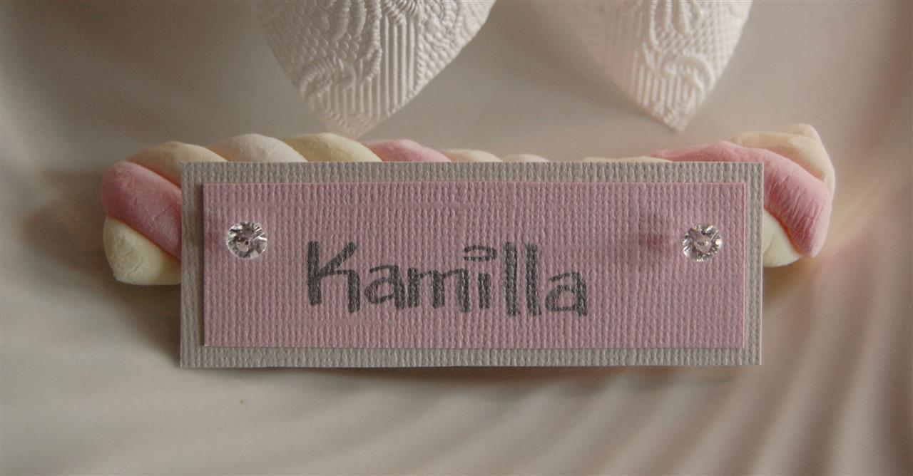 Marsmallows i deilige pastellfargar vart brukt i bordkorta. Laga av: Amaline.