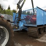 Vi byggde oss en vagn för att köra iland torven. Vid förfrågning från kunder sen så har vi byggt några fler!