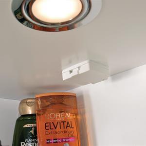Badrumsskåp LED  60CM VIT