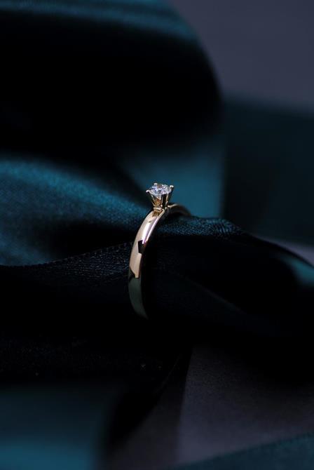 Enstensring med 0,17ct diamant