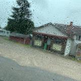 LillErskes handelsbod i regn