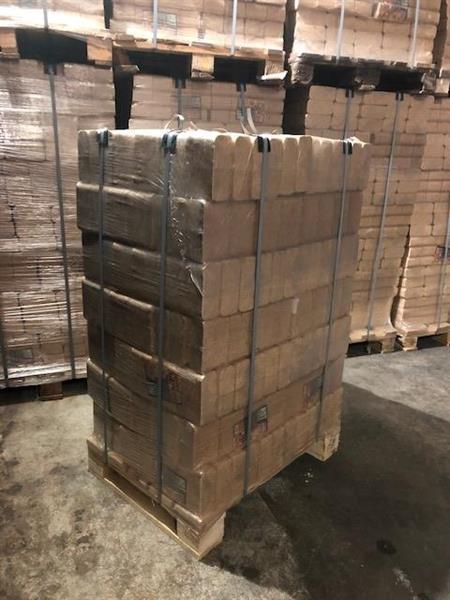 2 x HOT-Puubriketti teholava 840kg (Hinnat sisältävät rahdin)