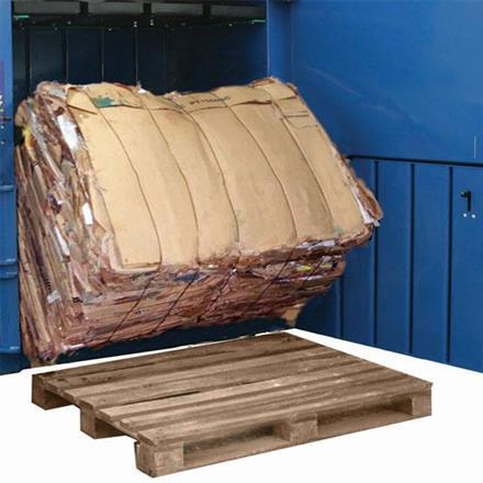 Macfab 650 Vertikal balpress som gör wellbalar på 650 kg