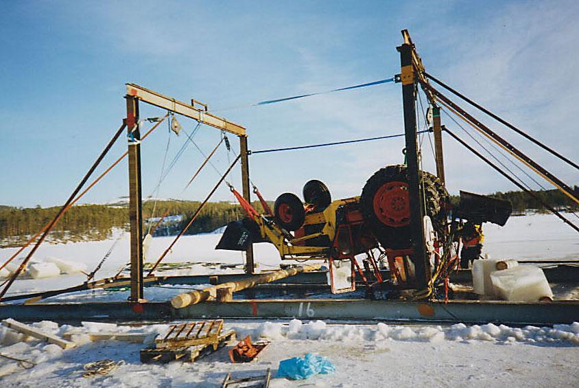 Bärgning på is med isbock