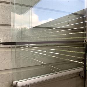 Korkean lasituksen  seinälukko