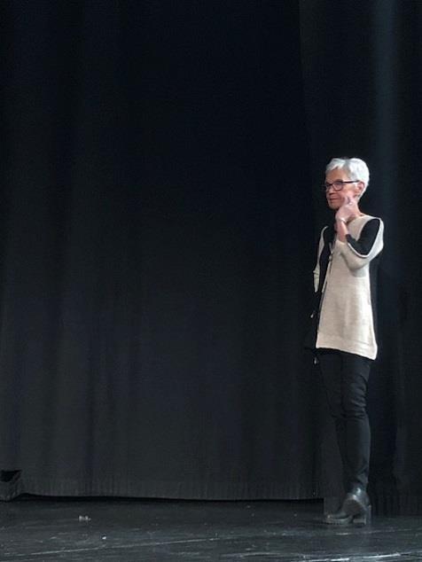 Modevisning med författaren Ulla Engslperger