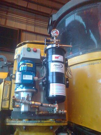 Filmax oljefilteranlegg montert på borerigg.