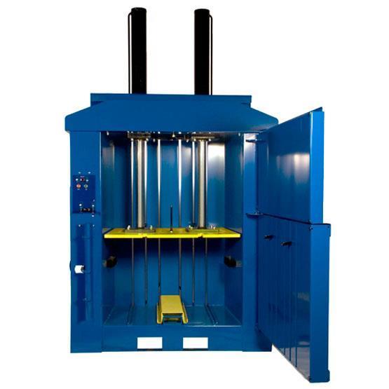 Macfab 450  Balpress som gör wellbalar 450 kg i pallstorlek