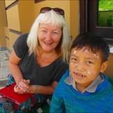 Carina och Esther Chepang, 7 år