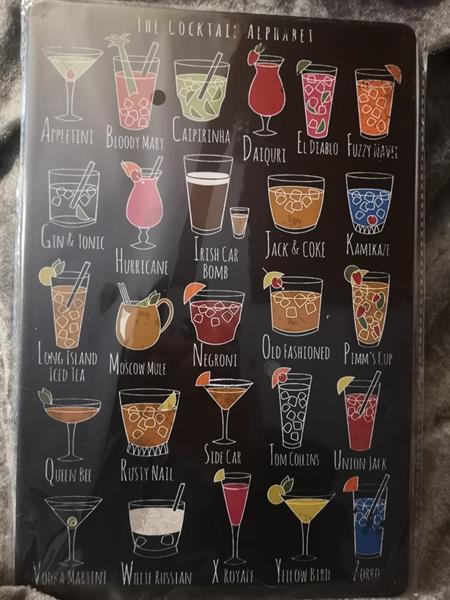 The cocktails, peltitaulu