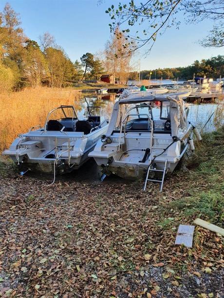 Stulna båtmotorer
