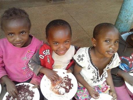 Rosina, Florence och Dorah - de tre första som fått Kibera-föräldrar