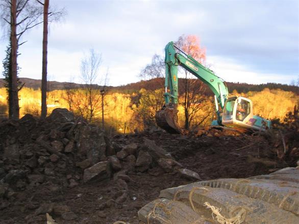 Kobelco 20 tonner på tomt i Førresfjorden