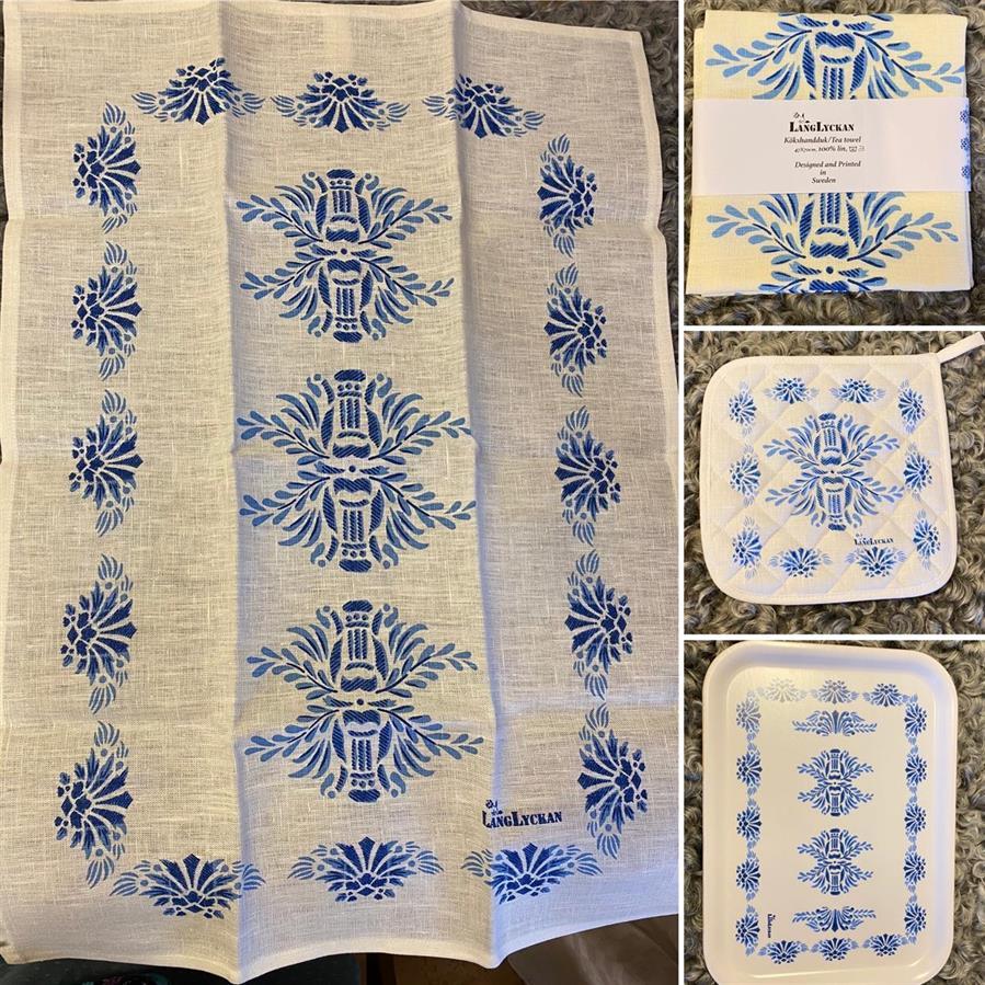 Linnehanddukar med tryck inspirerade av mönster från bla gamla Hälsingegårdar 185:-