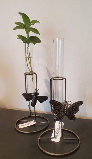 Minivas bi fjäril