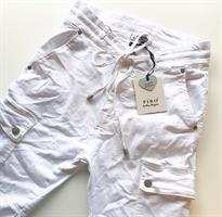 Piro Jeans Reisitaskuilla, Valkoinen