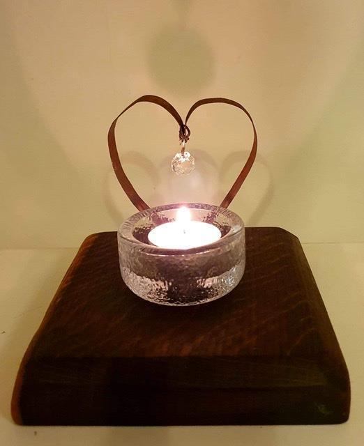 Värmeljushållare kristallhjärta på svartek