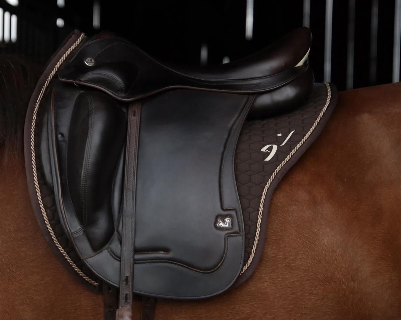 Schalock Denni Design Mattes Brun med Saddle-Fix