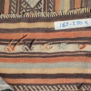 70300 Anatolsk kelim 250 x 163