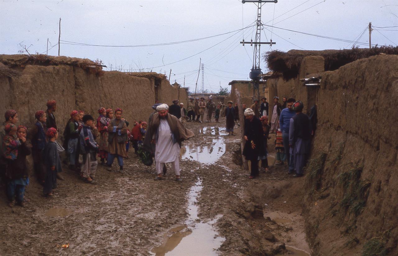 Fra afghansk flyktningeleir utenfor Peshawar