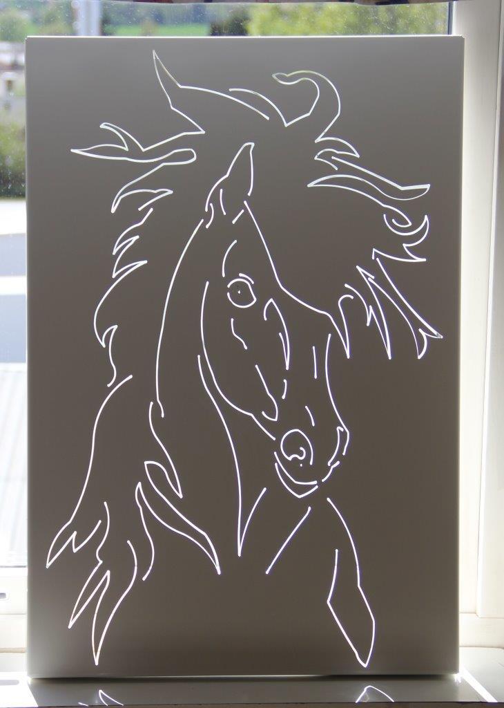 kreativt smide Häst tavla skärning Smireko