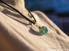 Halsband Glaskula krackelerad Aqua