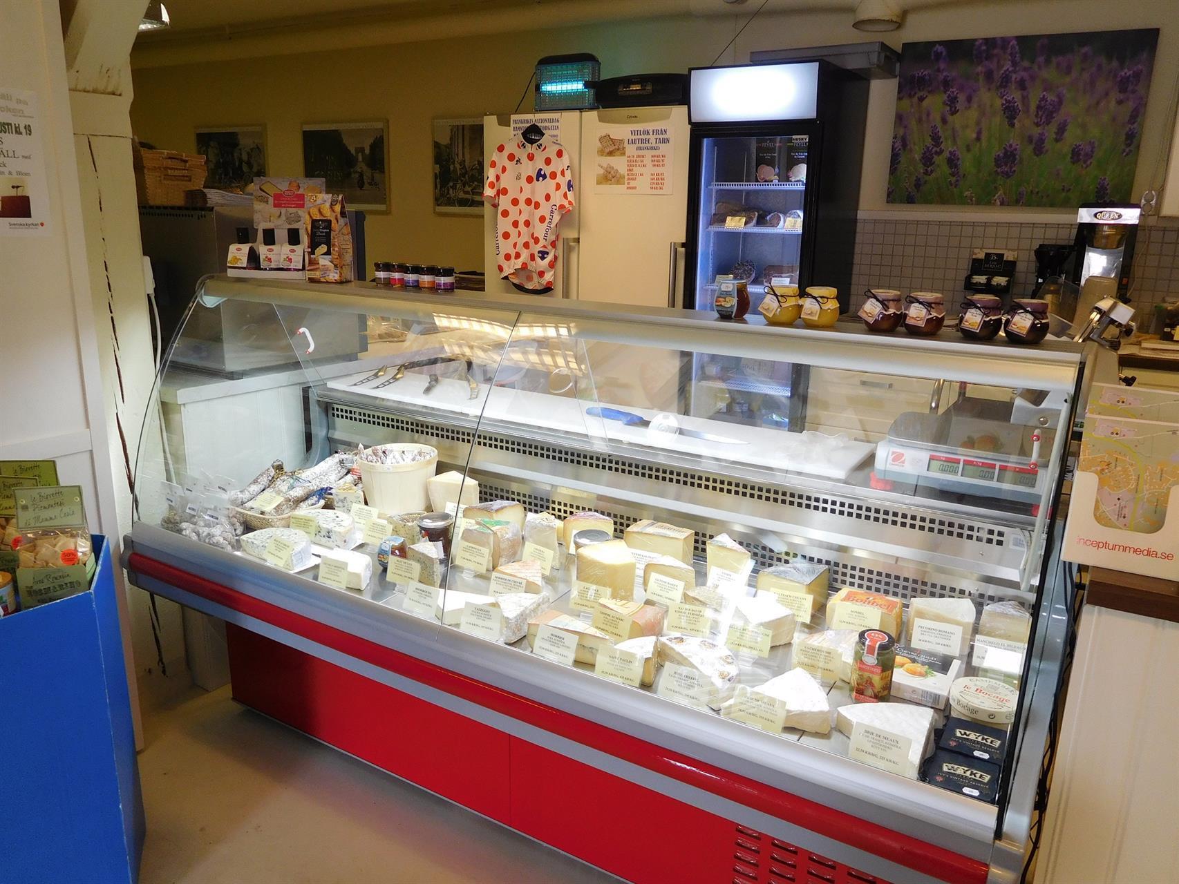 Den välfyllda ostdisken