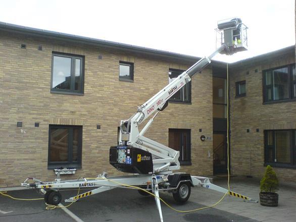 Rensing av takrenner i borettslag og boligsameier