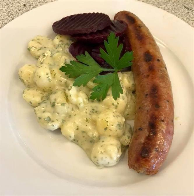 Isterband med persiljestuvad potatis