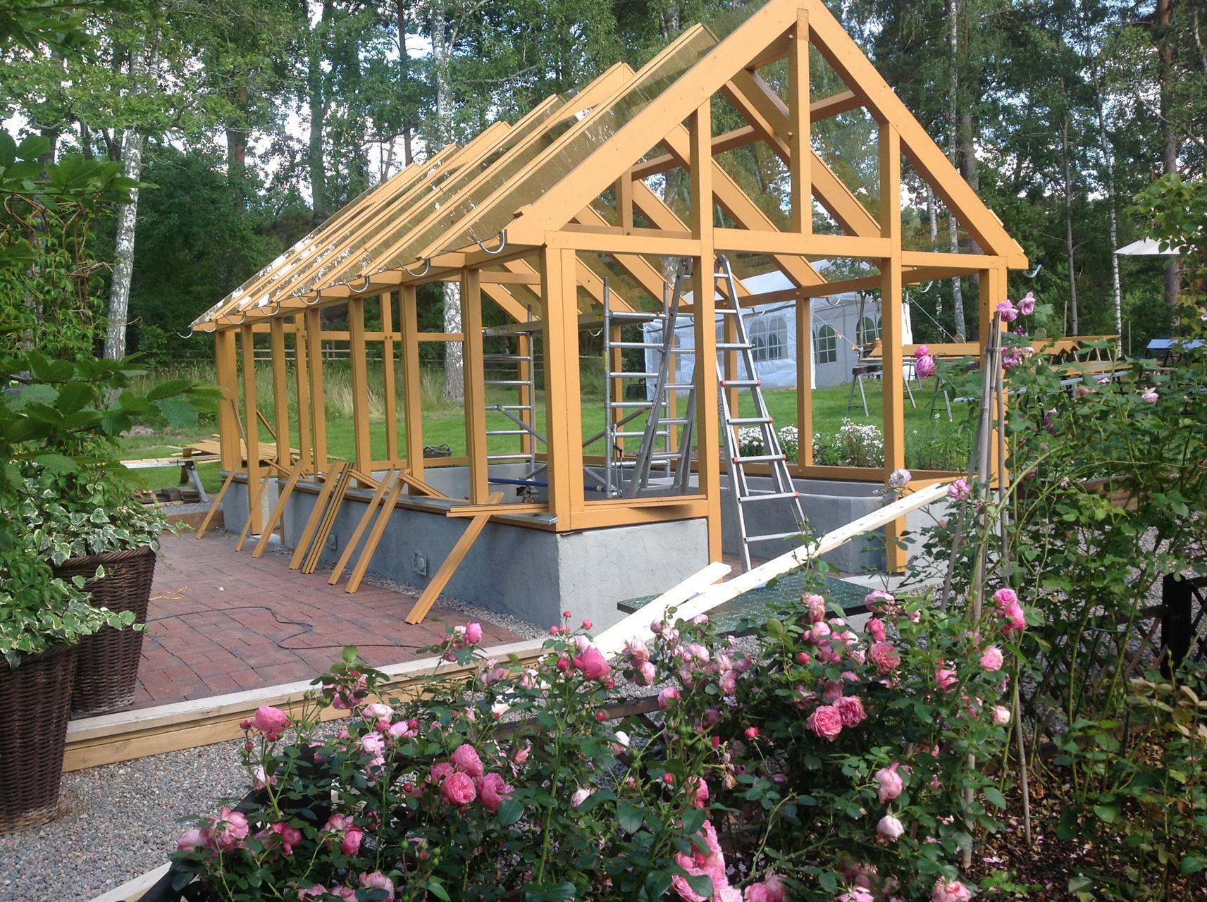 Linolijemålat växthus