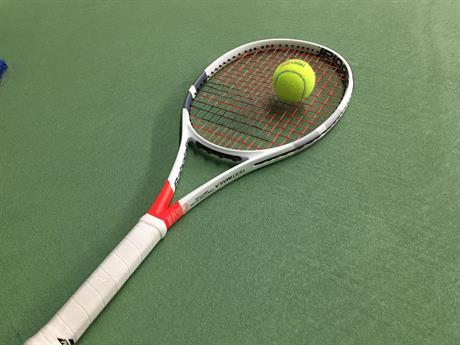 Tennisvalmennus