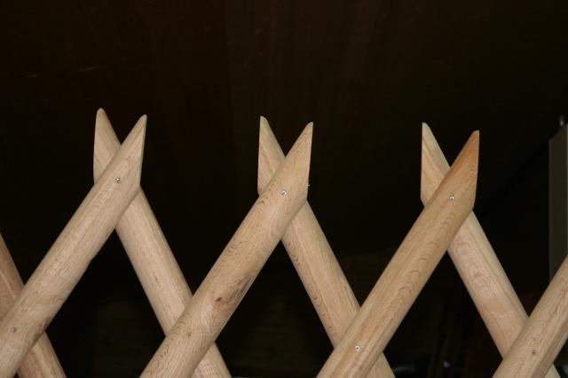 jägarstaket  med sågad spets