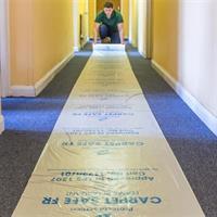 Halksäker skyddsfilm för mattor