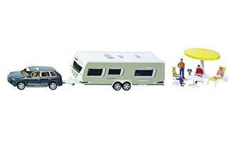 Lelu setti vetoauto + matkailuvaunu + caravaanarit + tarvikkeet. 1:55 metalli