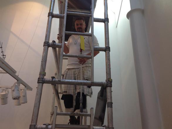 Vi monterer større tapetmotiv og lager grafikk, høst 2012