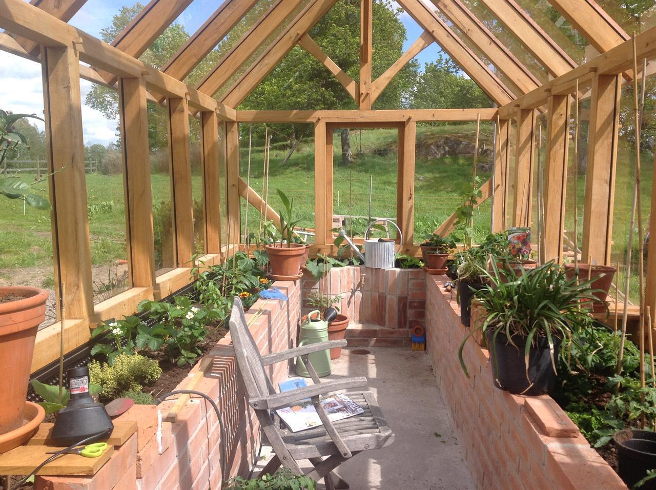 Här tillverkar vi de ultimata växthusen !