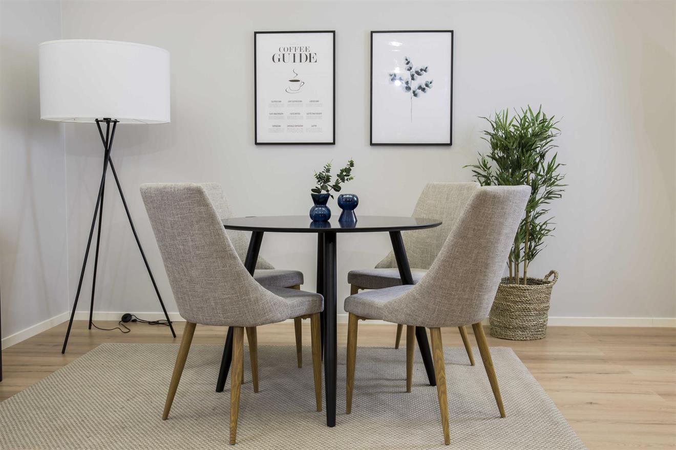 Plaza matbord och 4 st Leone matstolar