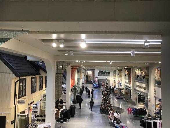 Vi har pusset opp deler av fellesarealet på kjøpesenter i Oslo / Grønland -  Januar 2018