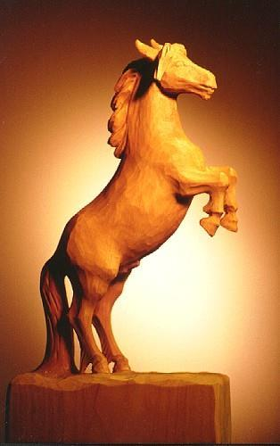 Steilande hest