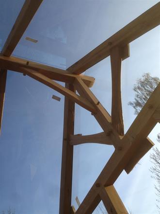 mkt. kraftiga stag i konstruktionen