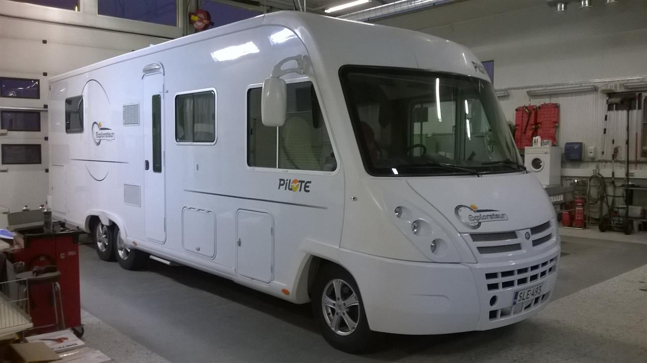 Karavan caravan matkailuauto asunto-auto asuntovaunu huolto tarvikkeet