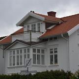 Ny veranda med tillhörande taklätta och balkong
