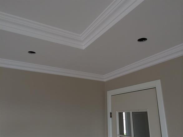 Skarpe rette overganger mellom tak og vegg