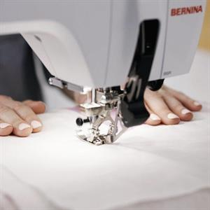 Bernina B590 kirjova ompelukone
