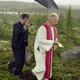 Biskop Sigurd Osberg ankommer