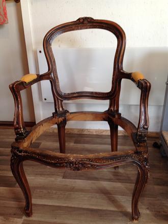 Før bilde av rokokko stol