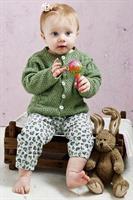 Stickad Babykofta i Esther by Pemin