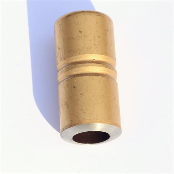 Guldig hätta (tidigare röd)
