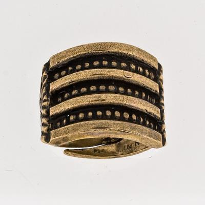 100128 Ring